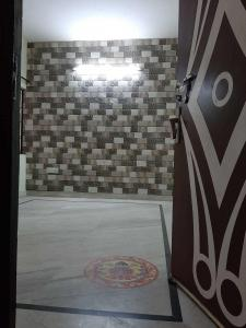 Gallery Cover Image of 425 Sq.ft 1 BHK Independent Floor for buy in Subhash Nagar for 2500000