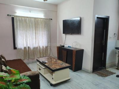 Gallery Cover Image of 1400 Sq.ft 3 BHK Apartment for rent in Hussainpur for 24000