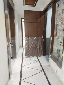 Gallery Cover Image of 1350 Sq.ft 3 BHK Independent Floor for buy in Sarvodaya Enclave for 50000000