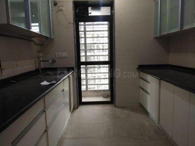 Gallery Cover Image of 1250 Sq.ft 2 BHK Apartment for rent in Kandivali East for 31500