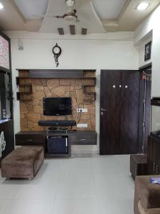 Gallery Cover Image of 1250 Sq.ft 2 BHK Apartment for rent in Ghuma for 22000