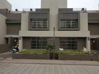 Gallery Cover Image of 2340 Sq.ft 3 BHK Independent House for buy in Goyal Sky City, Shela for 23500000