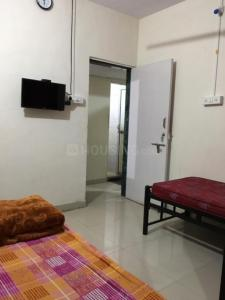 Gallery Cover Image of 350 Sq.ft 1 RK Independent Floor for rent in Santacruz East for 24000