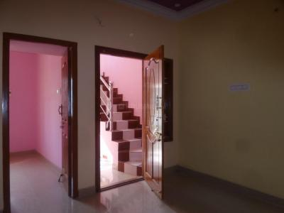 Gallery Cover Image of 640 Sq.ft 2 BHK Independent Floor for rent in Ayappakkam for 8000