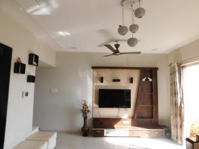 Gallery Cover Image of 1360 Sq.ft 3 BHK Apartment for rent in Tathawade for 34999