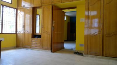 Gallery Cover Image of 1000 Sq.ft 2 BHK Apartment for rent in St Thomas Mount for 18000