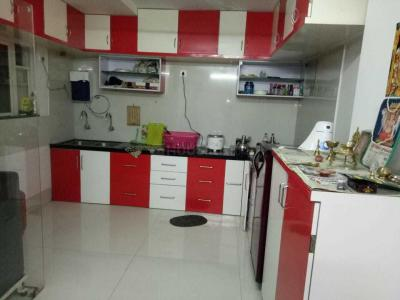 Gallery Cover Image of 1100 Sq.ft 2 BHK Apartment for rent in Yerawada for 30000