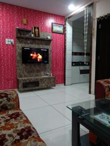 Gallery Cover Image of 550 Sq.ft 2 BHK Apartment for buy in Samrat Industrial Area for 3651000