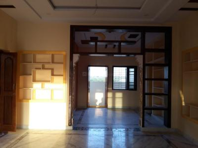 Gallery Cover Image of 1800 Sq.ft 2 BHK Independent House for buy in R Krishnaiah Nagar for 7500000