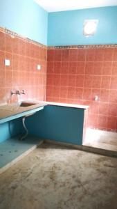 Gallery Cover Image of 560 Sq.ft 1 BHK Independent House for rent in Kottivakkam for 10000