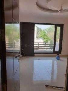 Gallery Cover Image of 2375 Sq.ft 3 BHK Apartment for rent in Sector 110A for 25000
