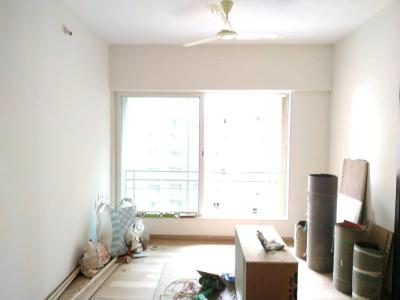 Gallery Cover Image of 600 Sq.ft 1 BHK Apartment for buy in Malad West for 10800000