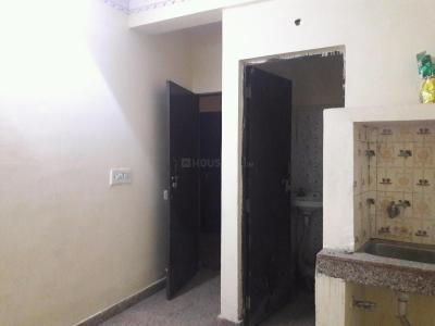 Gallery Cover Image of 300 Sq.ft 1 RK Apartment for rent in Katwaria Sarai for 6500