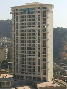 Gallery Cover Image of 1436 Sq.ft 3 BHK Apartment for buy in Powai for 25500000