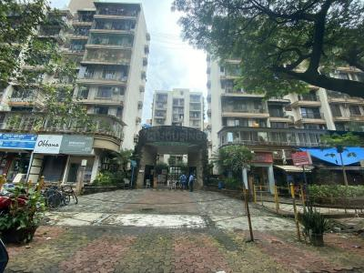 Gallery Cover Image of 600 Sq.ft 1 BHK Apartment for rent in Evershine Millenium Paradise Phase 1, Kandivali East for 25000