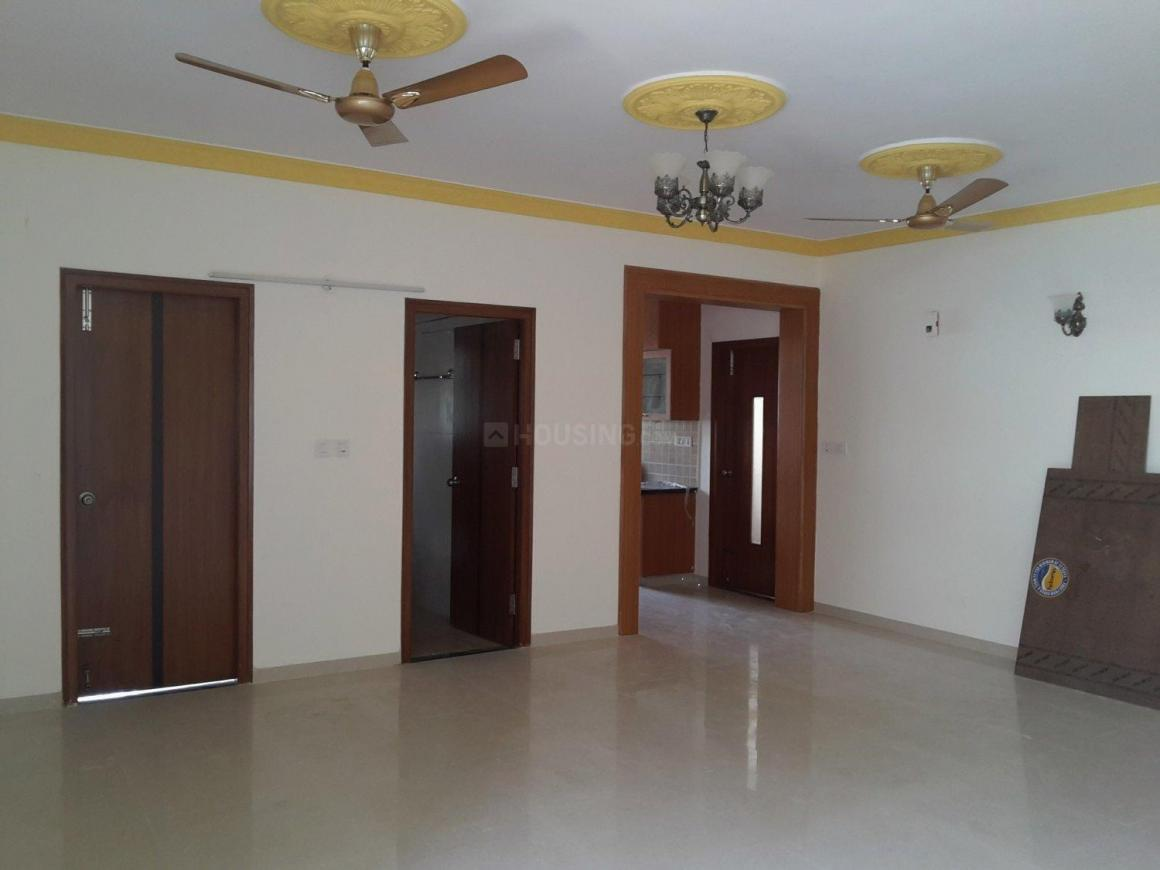 Living Room Image of 1300 Sq.ft 2 BHK Apartment for rent in Adugodi for 30000