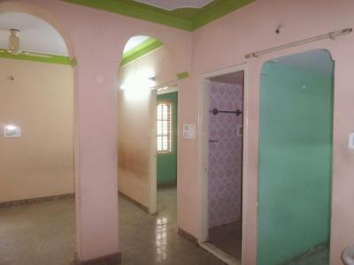 Gallery Cover Image of 850 Sq.ft 2 BHK Apartment for rent in Basaveshwara Nagar for 11000