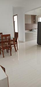 Gallery Cover Image of 750 Sq.ft 2 BHK Apartment for rent in Airoli for 36000