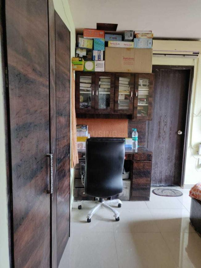 Bedroom Image of 1054 Sq.ft 2 BHK Apartment for buy in Thane West for 13000000