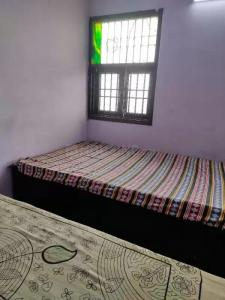 Bedroom Image of Girls PG in Sector 7 Rohini