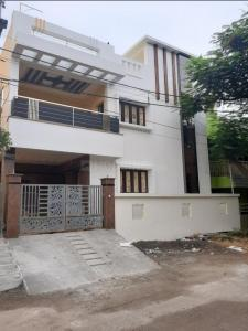Gallery Cover Image of 2500 Sq.ft 3 BHK Independent House for buy in Valasaravakkam for 22500000