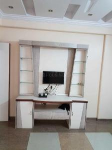 Gallery Cover Image of 845 Sq.ft 2 BHK Apartment for rent in Kandivali East for 34000