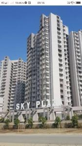 Gallery Cover Image of 1465 Sq.ft 3 BHK Apartment for buy in Shri Group Radha Sky Gardens, Noida Extension for 5000000