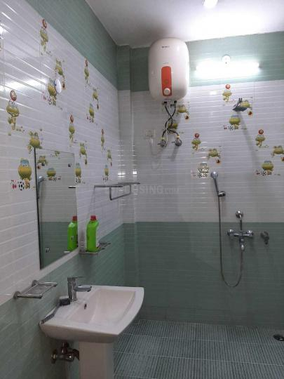 Common Bathroom Image of 1750 Sq.ft 3 BHK Independent Floor for rent in Sector 12 for 21000