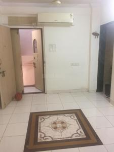 Gallery Cover Image of 500 Sq.ft 1 BHK Apartment for rent in Santacruz West for 55000