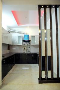 Gallery Cover Image of 1000 Sq.ft 3 BHK Apartment for buy in Shahdara for 5500000