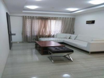 Gallery Cover Image of 625 Sq.ft 1 BHK Apartment for rent in Mantri Serene, Goregaon East for 30000