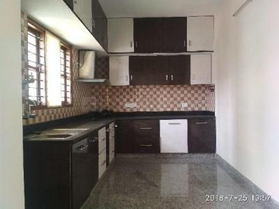 Gallery Cover Image of 1800 Sq.ft 3 BHK Apartment for rent in J. P. Nagar for 40000