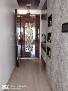 Gallery Cover Image of 1300 Sq.ft 2 BHK Independent Floor for rent in Kandivali East for 41000