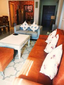 Gallery Cover Image of 1620 Sq.ft 3 BHK Apartment for rent in DLF New Town Heights, New Town for 45000