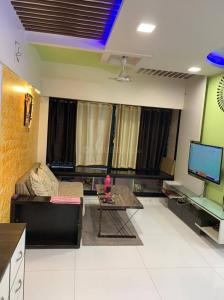 Gallery Cover Image of 1180 Sq.ft 2 BHK Apartment for buy in Bhayandar East for 11500000