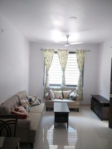 Gallery Cover Image of 1280 Sq.ft 3 BHK Independent House for rent in Sanand for 13000