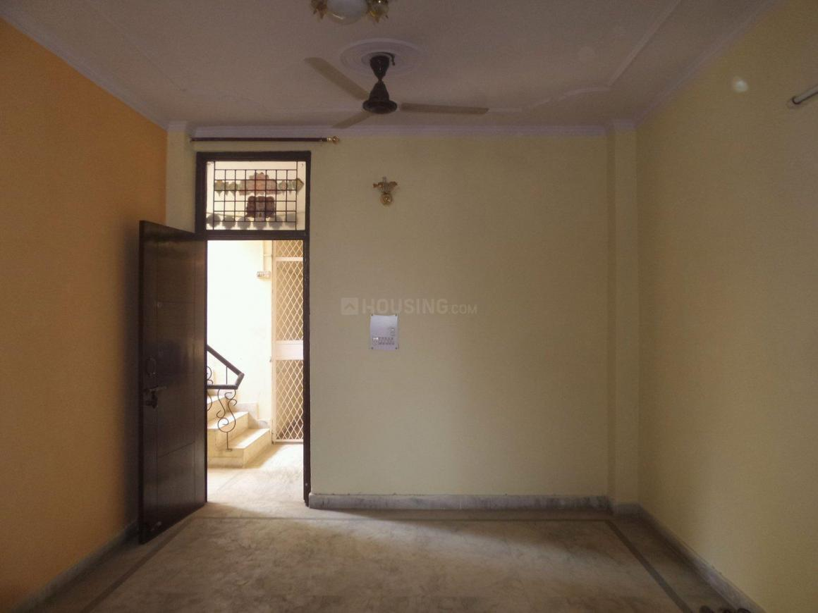 Living Room Image of 750 Sq.ft 2 BHK Apartment for rent in Dayal Bagh Colony for 8000