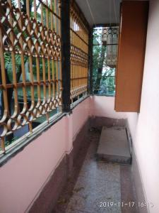 Gallery Cover Image of 1300 Sq.ft 3 BHK Independent Floor for buy in Baranagar for 3200000