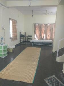 Gallery Cover Image of 2400 Sq.ft 3 BHK Independent House for rent in Aratt Divya Jyothi Koramangala, Koramangala for 60000