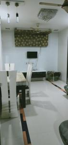 Gallery Cover Image of 1200 Sq.ft 2 BHK Apartment for rent in Vashi for 40000