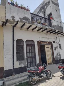 Gallery Cover Image of 802 Sq.ft 5 BHK Independent House for buy in Narela for 3000000