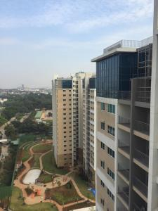 Gallery Cover Image of 1862 Sq.ft 3 BHK Apartment for buy in Jagajeevanram Nagar for 18500000