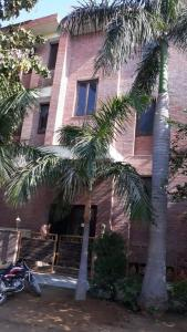 Gallery Cover Image of 5070 Sq.ft 8 BHK Independent House for buy in DLF Phase 1 for 90000000