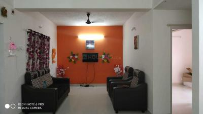 Gallery Cover Image of 1000 Sq.ft 2 BHK Apartment for rent in Velachery for 18000