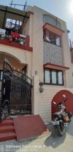 Gallery Cover Image of 1800 Sq.ft 3 BHK Independent House for buy in Prem Nagar for 6100000