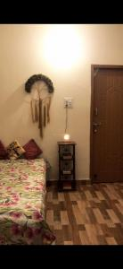 Gallery Cover Image of 600 Sq.ft 1 RK Independent House for rent in Karanpur for 4500