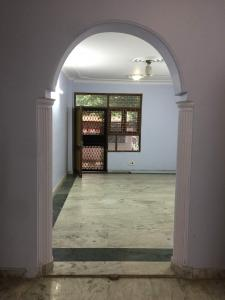 Gallery Cover Image of 1250 Sq.ft 3 BHK Apartment for buy in Maharani Bagh for 15000000