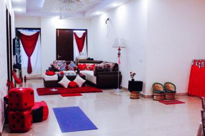 Gallery Cover Image of 2000 Sq.ft 3 BHK Apartment for rent in Chhattarpur for 45000