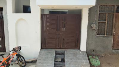 Gallery Cover Image of 750 Sq.ft 1 BHK Independent House for buy in Garhi Harsaru for 2000000