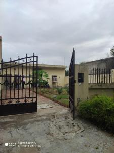 Gallery Cover Image of 2500 Sq.ft 2 BHK Independent House for buy in Omicron III Greater Noida for 6800000